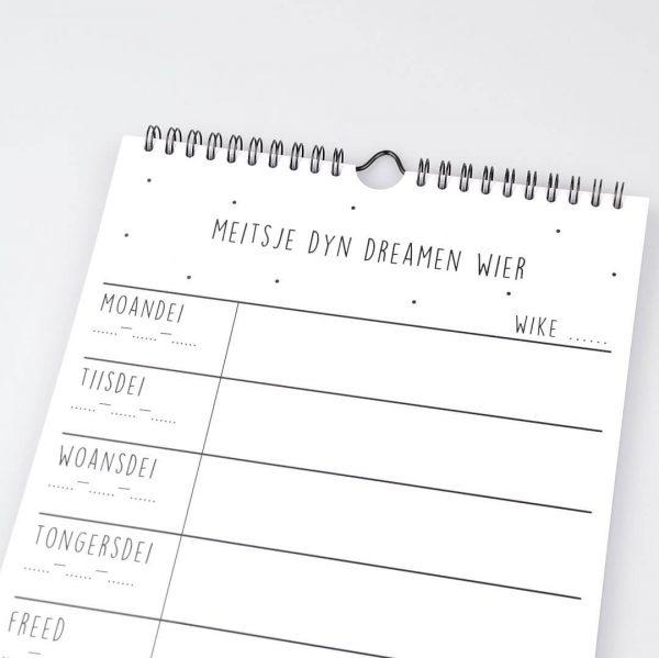 Friese quote ophangbare weekplanner met Friese quotes - Krúskes.nl
