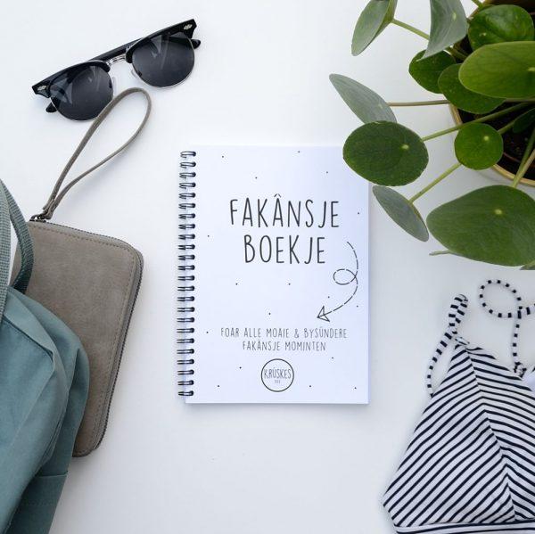 Fries vakantiedagboekje - A5 - Zwart wit - voorkant 2 - Krúskes.nl