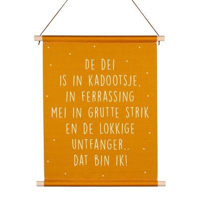 Friese Textielposter - De dei is in kadootsje - kruskes (2)